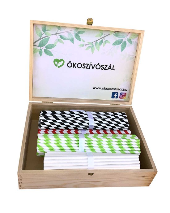 Paper straws in engraved wooden box